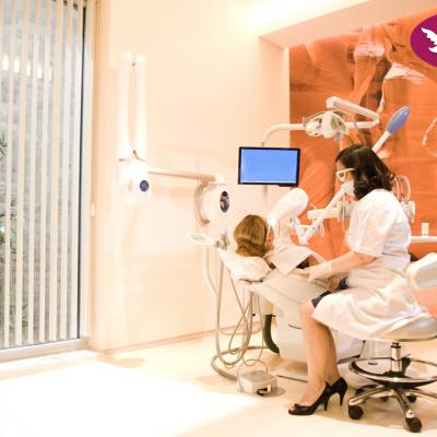 Dental Clinic 6